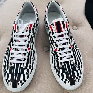 Authentic GIVENCHY  Men's Lo sneaker